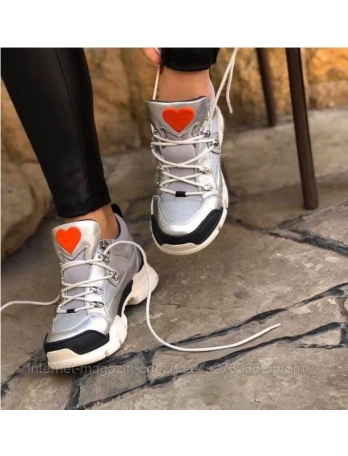 Кроссовки женские Love Moschino