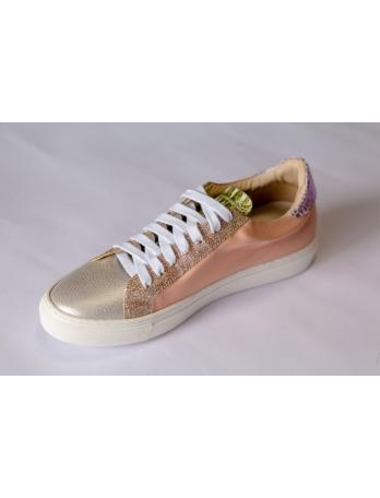 Женские кроссовки Италия